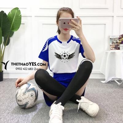 bộ thể tthao bóng đá trắng