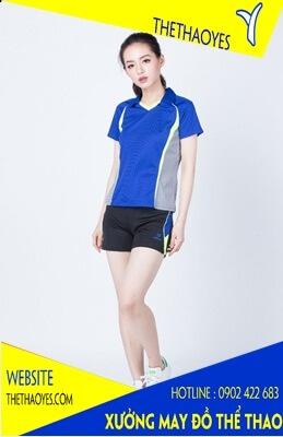 quần áo thể thao nữ khoác