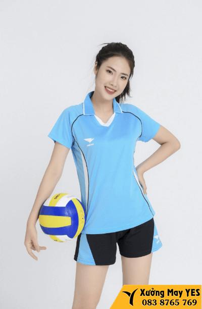 xuất khẩu áo quần thể thao nữ