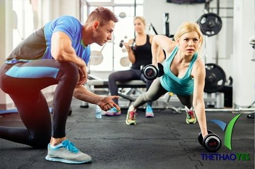 Tập Yoga với huấn luyện viên riêng,