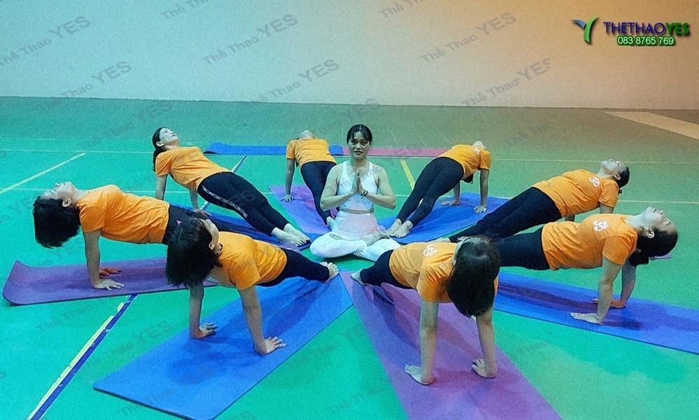 cơ sở may áo đồng phục yoga
