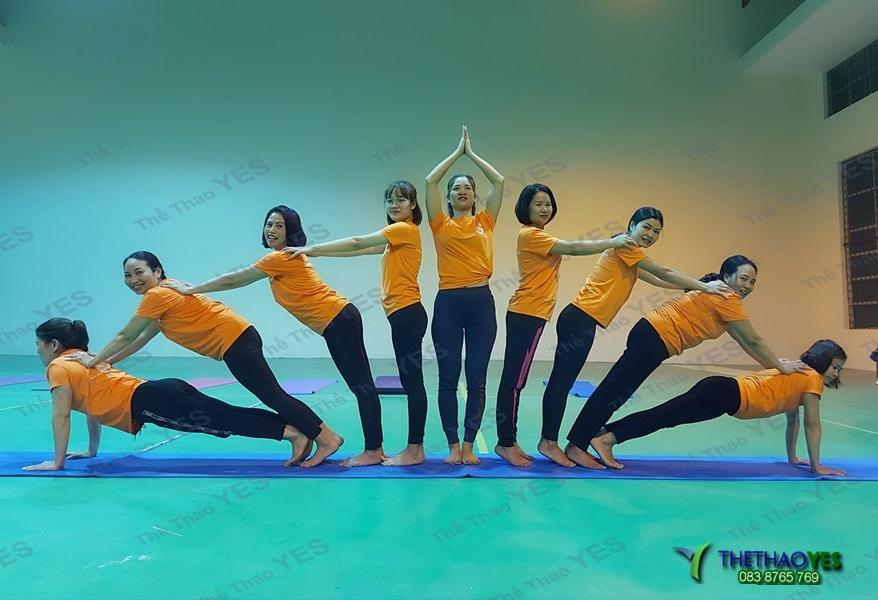may bộ đồng phục yoga nữ